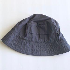 Gap Bucket Hat with Pocket